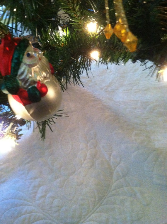 Tree Skirt Quilted White Feathered Wholecloth