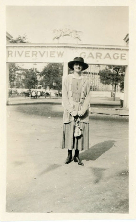 "Vintage Photo ""Visit to Chicago"", Photography, Paper Ephemera, Snapshot, Old Photo, Collectibles - JL017"