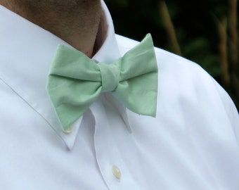 Bow Tie in Solid Mint Green - Clip on, pre-tied with adjustable strap or self tying - for men or boys