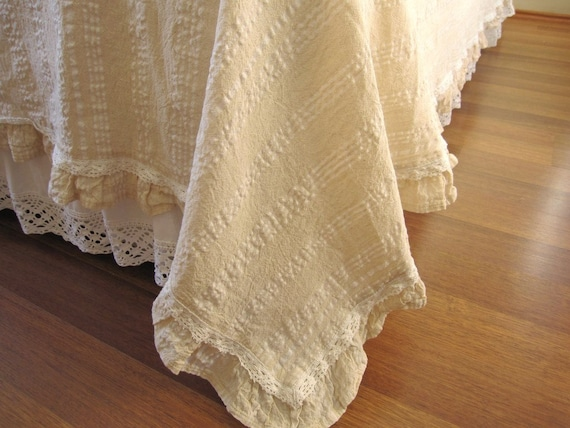 Ivory White Lightweight Queen Coverlet Summer By Nurdanceyiz