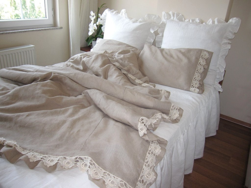 Cotton lace ruffled bedding ikea full uk double by nurdanceyiz for Housse de couette blanche ikea