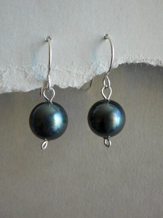 Swarovski Tahitian pearls earrings - Sterling silver or Niobium - Minimalist earrings - Free shipping to CANADA and USA