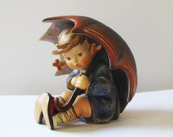 M.I. HUMMEL Figurine Umbrella Girl 152/0 B Trademark No. 6 (1979 - 990)