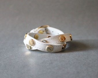 Screw Stud Ornament Leather Bracelet(White)