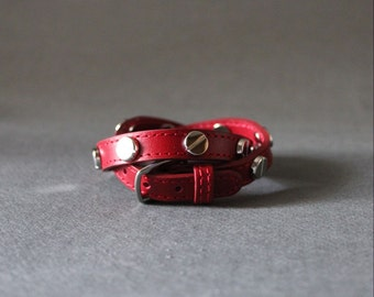 Screw Stud Ornament Leather Bracelet(RED)