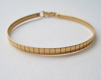 Vintage 1980 Signed Avon Perfect Accent Size SMALL Goldtone Segmented Gold Tone Traditional Minimalist Bracelet in Original Box NIB