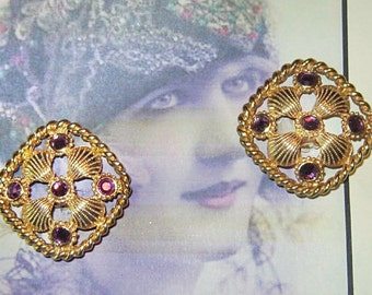 Vintage Gold Ornate Clip Earrings With Rhinestones - V-EAR-068