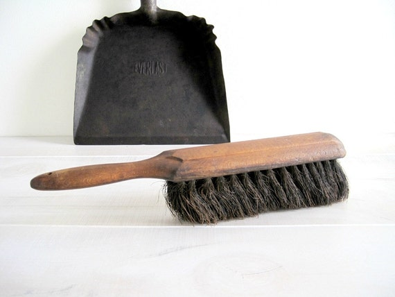 Vintage Iron Dust Pan & Broom - Rustic Farmhouse Kitchen