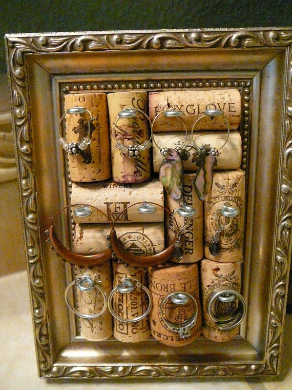how to make jewelry holder picture frame