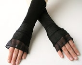 Cuffs / Mittens with Flounce
