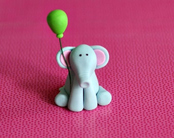Fondant Elephant with a Balloon Perfect for a Smash Cake, Cupcake or a Birthday Cake
