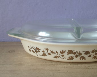 Vintage 1960's Pyrex gold acorn butterfly casserole dish with lid, Mid Century divided casserole dish, glass bakeware, glass baking dish