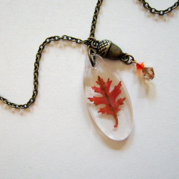Nara - Real Autumn Oak Leaf and Acorn Necklace - Pressed leaf, oak, Autumn, Fall, woodland, forest, earthy, minimal, simplicity, ooak, gift