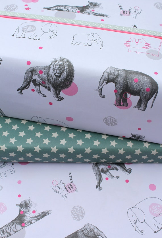Gift Wrap: 5 x Sheets of Wrapping Paper Animal Circus and Star Design