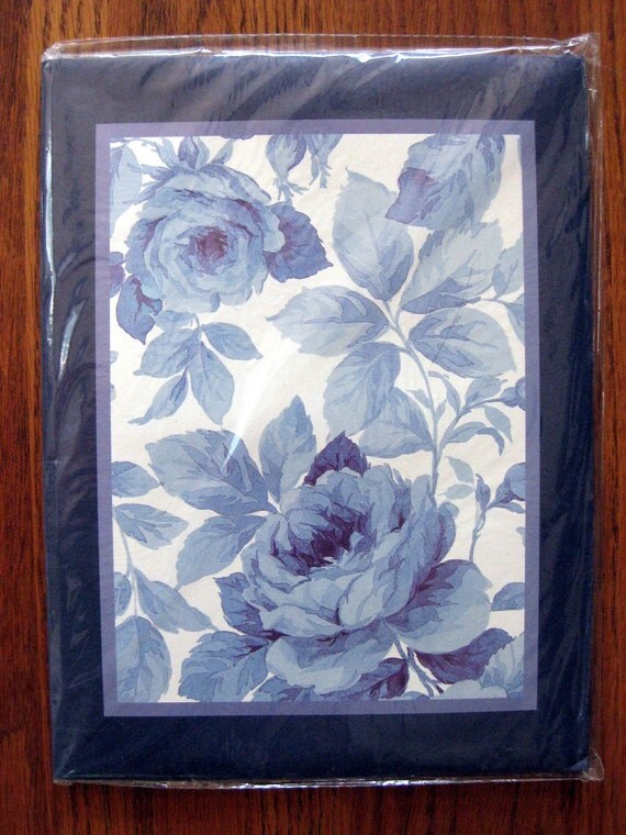 Kartos Azzurra Italian Stationery set, new and unopened, with blue rose toile design