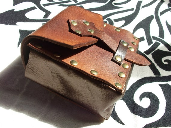 Leather Box Pouch in medium brown/brassed suede for LARP, Cosplay or Steampunk by Clockwork Firebird Designs