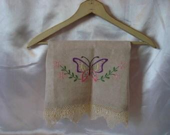 Butterfly Table Linen Linens Ecru Vintage Table Runner TREASURY ITEM