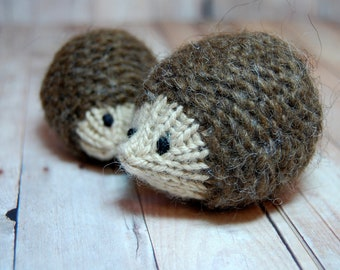 Hedgehogs Ornament Toy - Knit Waldorf Soft Toy Hedgehog Parent and Baby - Natural Fibers - Autumn Fall Decoration - Woodland - Brown Beige
