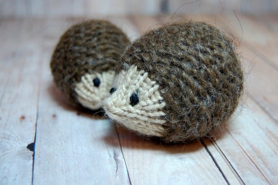 Knitting Pattern For Hedgehog : Hedgehogs Ornament Toy Knit Waldorf Soft Toy Hedgehog Parent