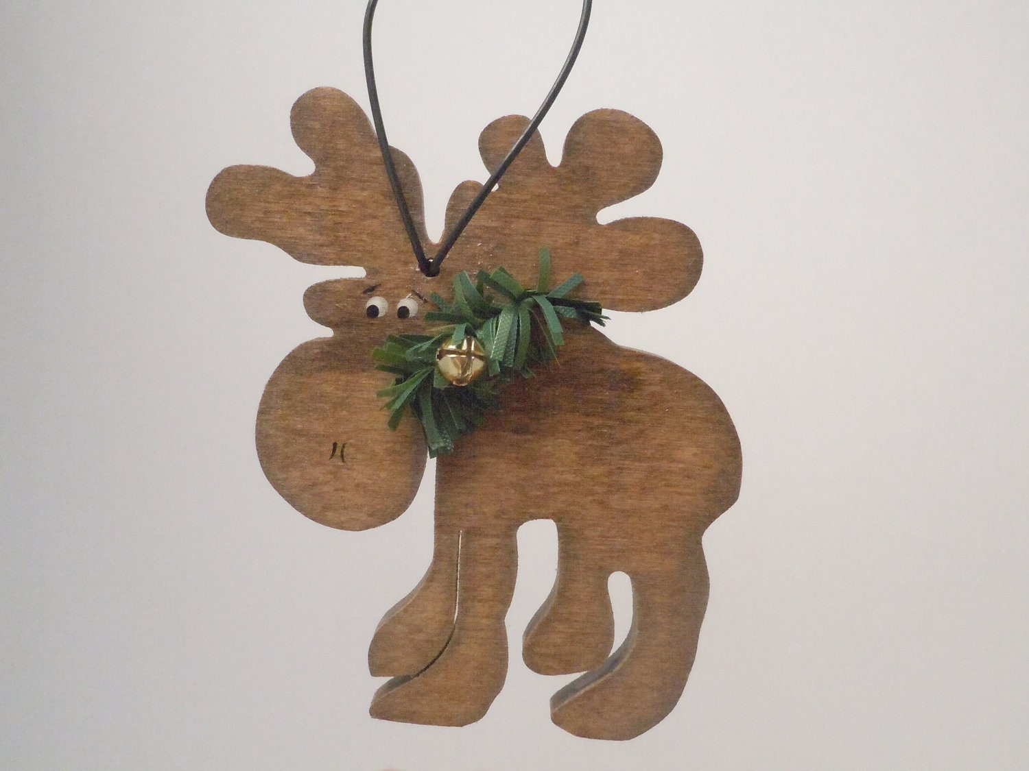 Wood rustic moose ornament