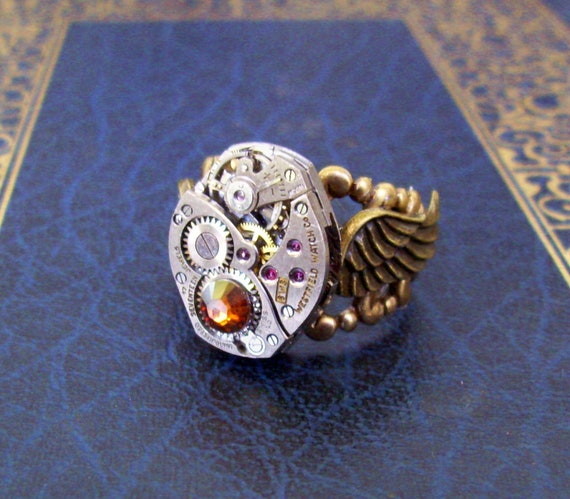 Steampunk Ring (R53) - Vintage Watch Movement Piece with Wings - Filigree Ringband - Swarovski Crystal