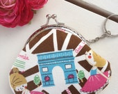 Handmade metal frame coin pouch and keychain : Ballerina dancing in Paris cotton linen fabric