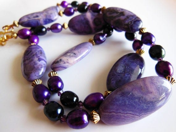 Purple shiny waves necklace  181