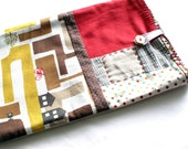 MacBook Pro 13 inch padded sleeve, 13 inch MacBook Pro case cover. Zakka style, japanese fabric linen and cotton blend. Brown and red.