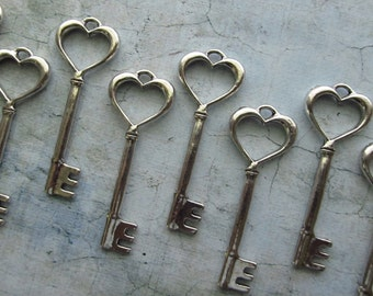 Conna Heart Shaped Antique Silver Skeleton Key  - Set of 10