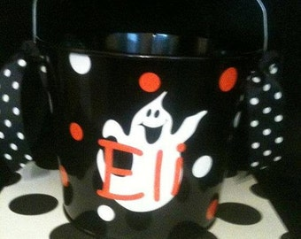 Personalized Halloween Bucket - Candy Holder - Halloween Tub - Bucket With Ghost