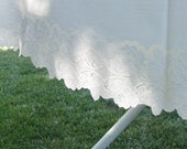 """Vintage Round Lace Tablecloth - White Plastic - 58 1/2"""" Round"""