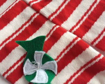 Christmas Baby Leg Warmers: candy cane striped with peppermint candy appliques