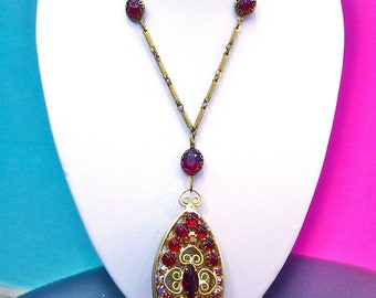 Gorgeous Vintage Gold Filigree & Ruby Red Aurora Borealis Crystal and Art Glass Necklace