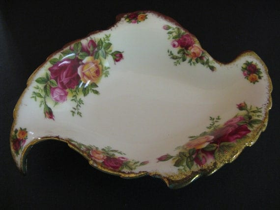 Royal Albert Old Country Roses Leaf Dish