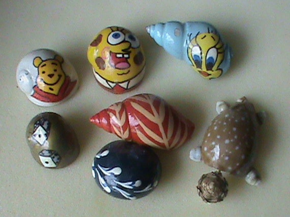6 Painted Hermit crab shells and regular sea shells crafted