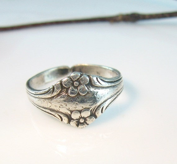 Vintage Little Sterling Flower Ring 1950s Spoon Jewelry Size 7 1/2