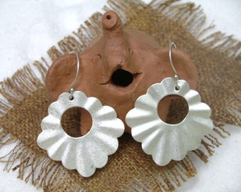 Thai Silver Earrings - The Moon's Radius (2)