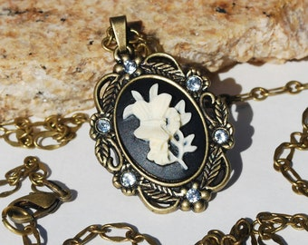 Flower Cameo Necklace Victorian Cameo Necklace
