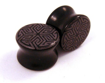 "Maze of Life Black Glass Plugs - 0g (8mm) 00g (10mm) 7/16"" (11mm) 1/2"" (13mm) 9/16"" (14mm) 3/4"" (19mm) Opaque Ear Gauges"