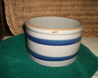 Blue banded gray crock