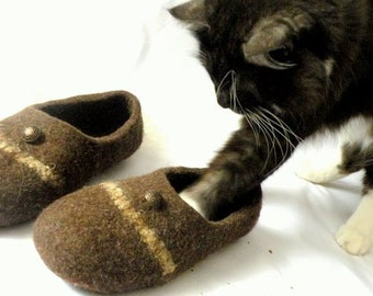 handmade natural wool slippers  woolen shoes handmade shoes woolen clogs
