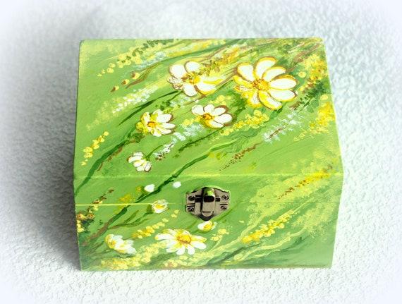 """Jewelry Box  with flower meadow 6.1 """"x 4.7"""""""