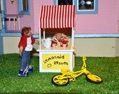 1/12 Scale Miniature Dollhouse Dolls - With Lemonade Stand - Handmade