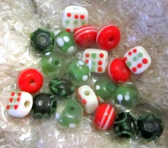 LAMPWORK BEADS - Christmas Colors, Red, Green, White - 21 Beads