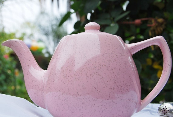 Beautiful Vintage Bauer Tea Pot c. 1930-1960, Pink Speckled, California USA