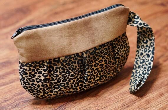 Wristlet, Purse, Makeup Pouch, Wrist Bag, Pleated Pouch with Strap, Wristlet Purse, Small Bag - Cheetah