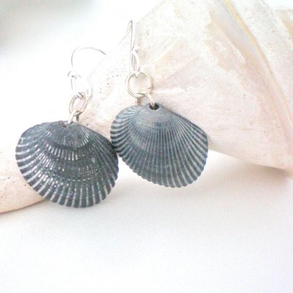 black sea shell drop earring OOAK