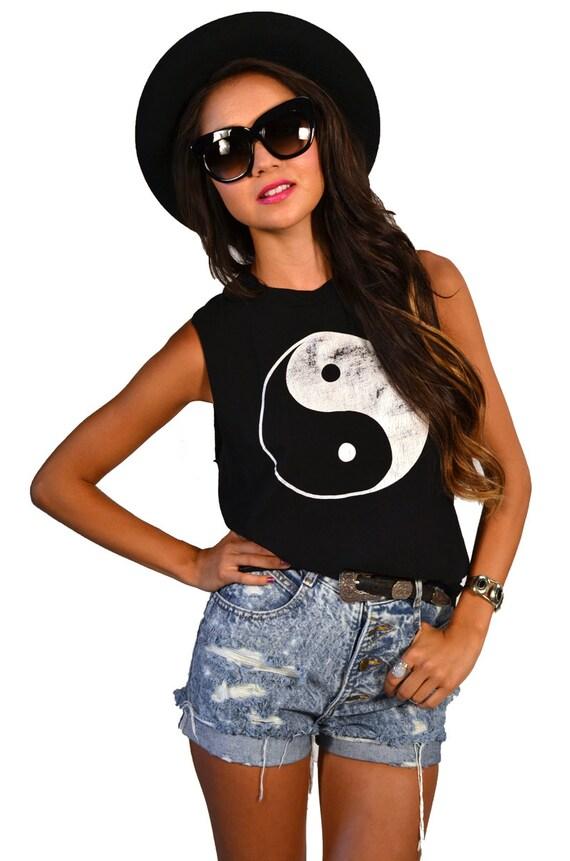 Vintage 80s Grunge Ying Yang Muscle Tank T-Shirt