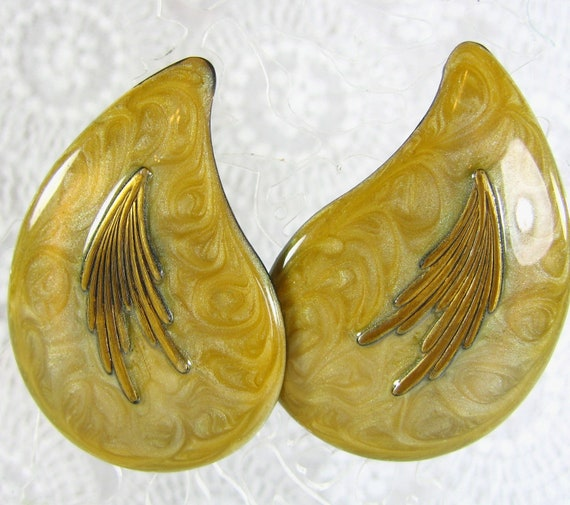 Vintage statement earrings mustard yellow enamel gold for Mustard colored costume jewelry