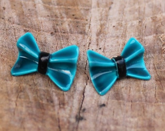 Vintage Turquoise Glass Bow Earrings
